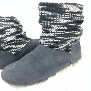 BearPaw Natoma Charcoal Travel Boot NWT